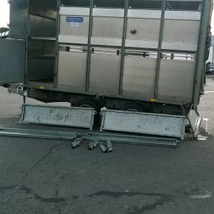 Ifor Williams DP120G - 10 De-mountable Stock trailer 
