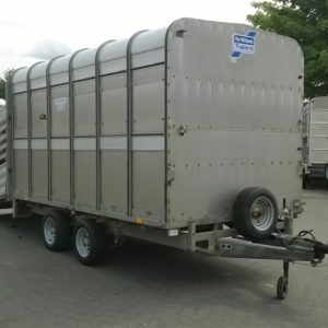Ifor  Williams Dp120 De-mountable stock box fitted to a LM126, Stockbox comes complete with easyload deck system, rear loading gates and spare wheel. Best of both as stockbox can be removed giving you a 12ft X 6ft flatbed trailer fitted with brackets for dropsides and headboard.