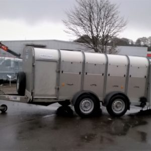 Ifor Williams TA5 Stock Trailer 10ft , 4ft headroom. 2700kg, Reg date Jan 2015, Very good condition, complete with internal division , sumptank kit , rear loading gates and spare wheel, fully serviced by our workshop and ready to work.  For further details call Mark on 07710 637078