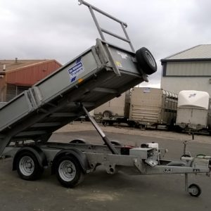 Ifor Williams TT3017-352 Hydraulic Tipper, 3500kg Reg Sept 2014, Very good condition comes complete with, Ladder rack, Propstands, light guards, skid holder and spare wheel, fully serviced by our workshop and ready to work. For further details call Mark on 07710 637078