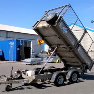 Ifor Williams TT3017 Hydraulic Tipper 3500kg, Reg Date Sept 2017, Comes complete with full mesh side kit , lampguards and spare wheel , This trailer will come fully serviced by our workshop and ready to work. For further details Contact Mark on 07710 637078