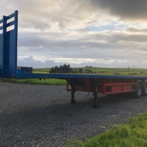 45ft Artic Trailer, New Mot till 31st October 2020, comes complete with twistlocks, bolster pins and cages for sheets.