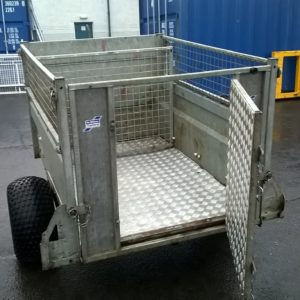 Ifor Williams Q5 Off Road, Build Date Aug 2015, 500kg unladen weight 185kg, Comes complete with removable mesh sides , sheep division and ramp stock door, this trailer will come fully serviced and ready to work, for further details on this and other trailers please call Mark on 07710 637078