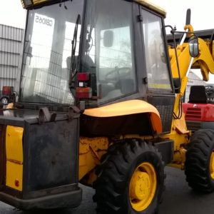 JCB 2CX Airmaster 4x4 Reg Date 1998, 6706 hours, Comes complete with 4 in 1 Bucket, pallet toes and air compressor , for further details contact Mark on 07710 637078