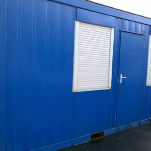 20ft x 8ft Office container, Complete with opening front windows with security shutters , internal lighting and sockets. Delivery can be arranged. For more details on this and other containers Please contact Mark on 07710 637078