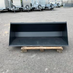 6ft bucket . Euro attachment , for more details contact Call mark on 07710637078 or Sam on 07522716854