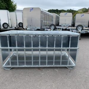 FOR SALE 9 bar lamb/sheep creep feeder with adjustable height bar , mesh floor can be moved by forks large hopper, bird flaps, adjustable bars, galvanised  for more information! Call Sam on 07522716854 or Mark on 07710637078